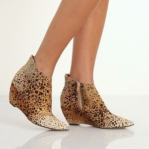 Matisse Nugent Leopard Ankle Boots Booties